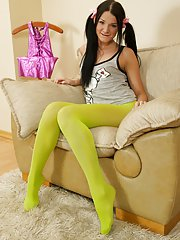 Sweet hottie in yellow nylons gets her pussy penetrated